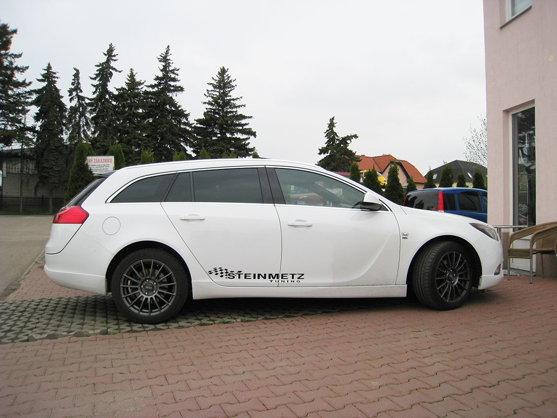 Opel Insignia + Superturismo LM 8×18